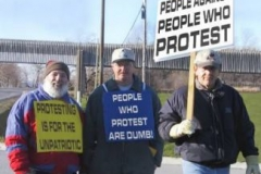 Demonstration mot protesterande